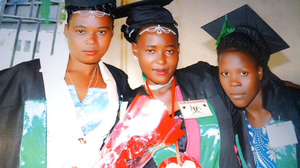 Twikiize (Middle) with her other friends on their graduation.