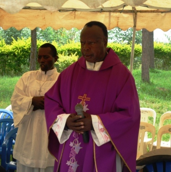 Fr Ssekyewa who led mass.