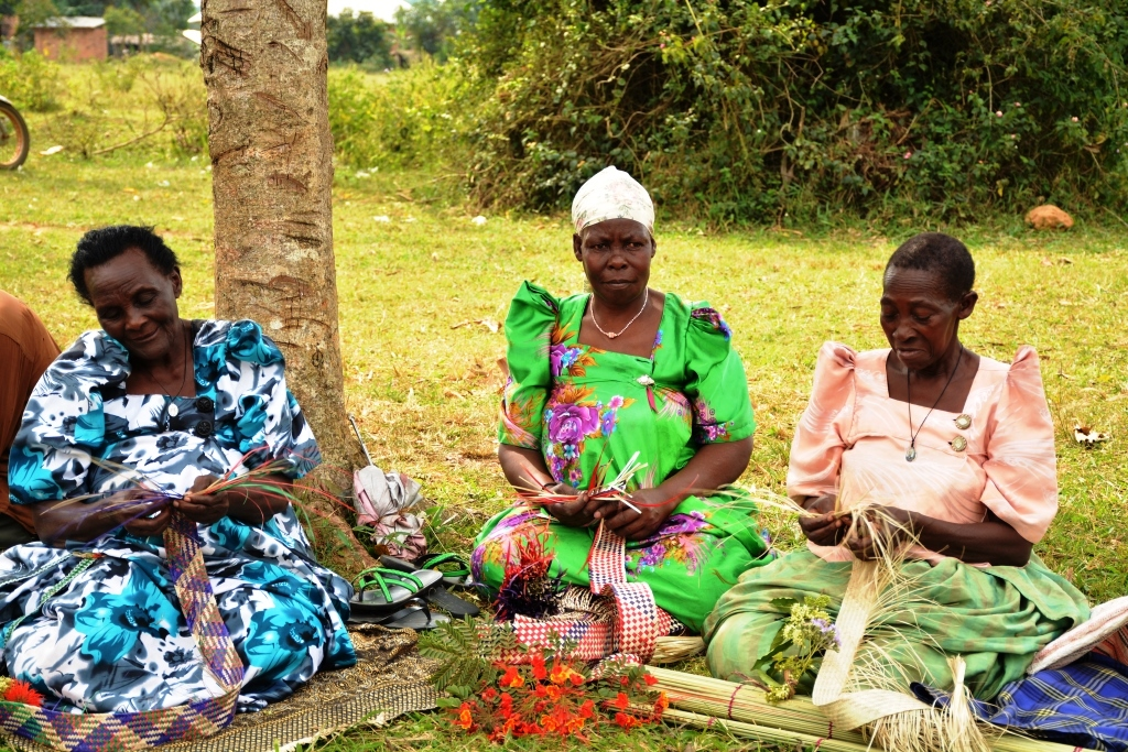 Grannies weaving mats as the buy time to wait for the fellows. ALL PHOTOS BY MOSES MUWULYA