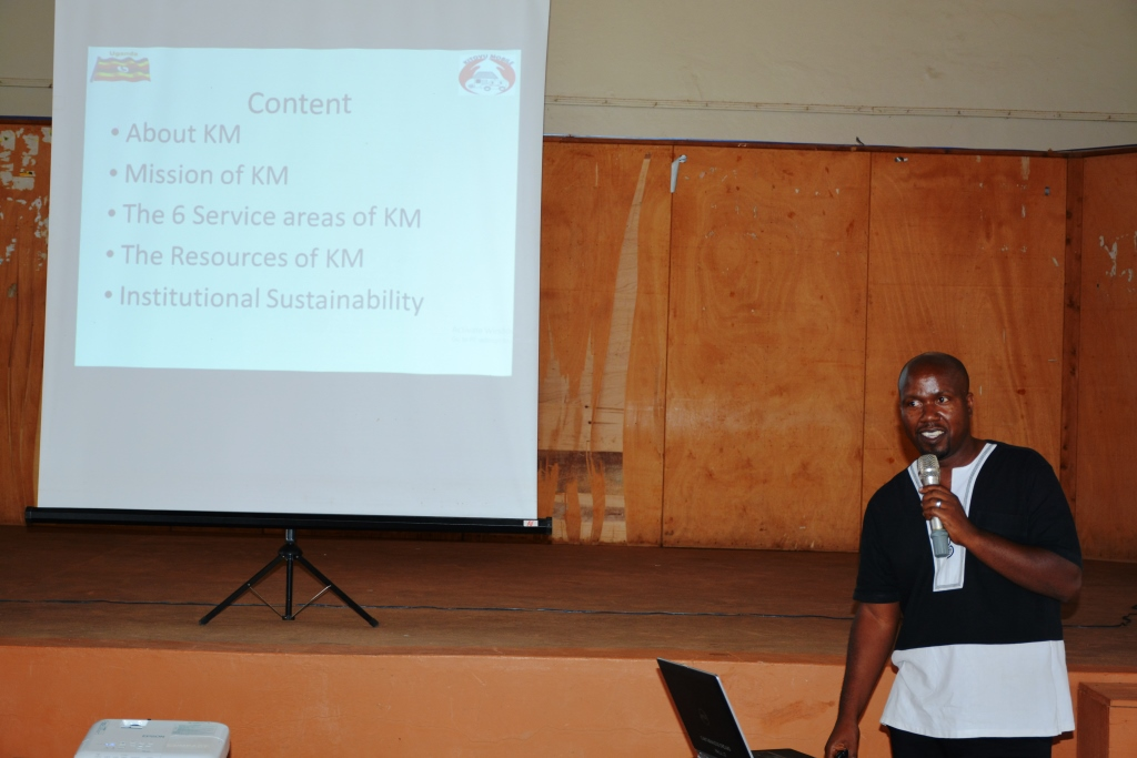 Justus Rugambwa,Kitovu Mobile CEO giving a presentation