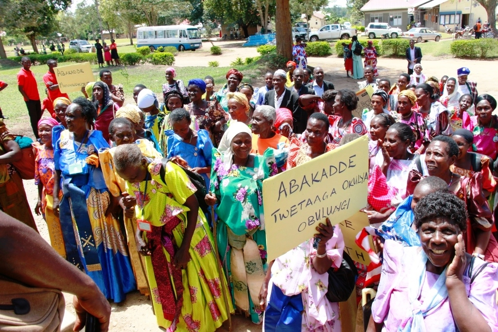 Grannies reach at the District headquaters.A